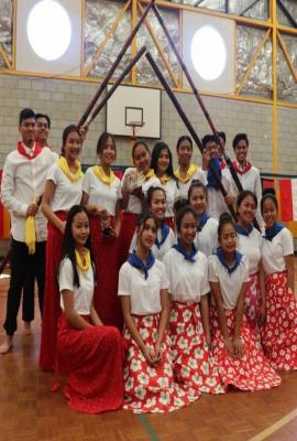 Filipino Dancers